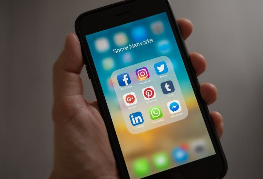 using social media to get your online business noticed