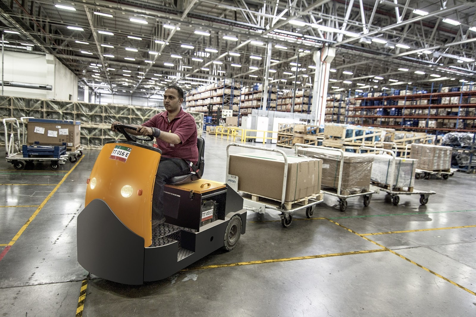 forklift-warehouse-machine-worker-835343/finding dropshipping suppliers