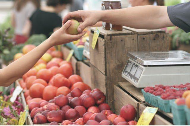 customer relationship marketing seller extending apple to customer