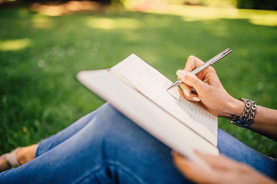 writing career writer-notes-pen-notebook